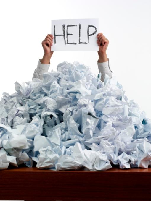 disorganised_desk_7713459121
